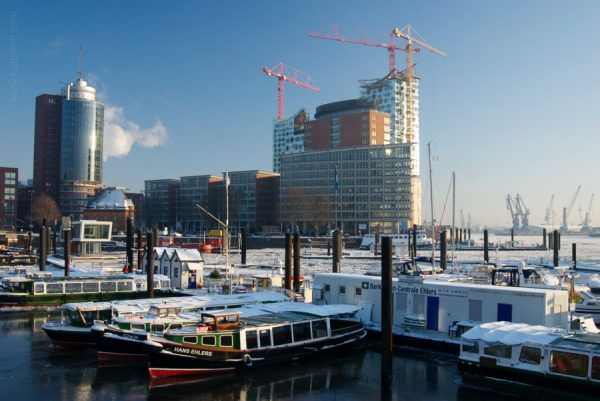 Wintry, icy Hamburg harbor, Germany